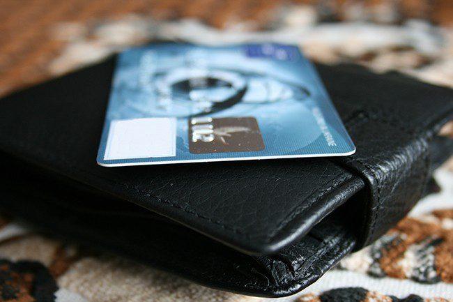 Lommebok med kredittkort.Foto