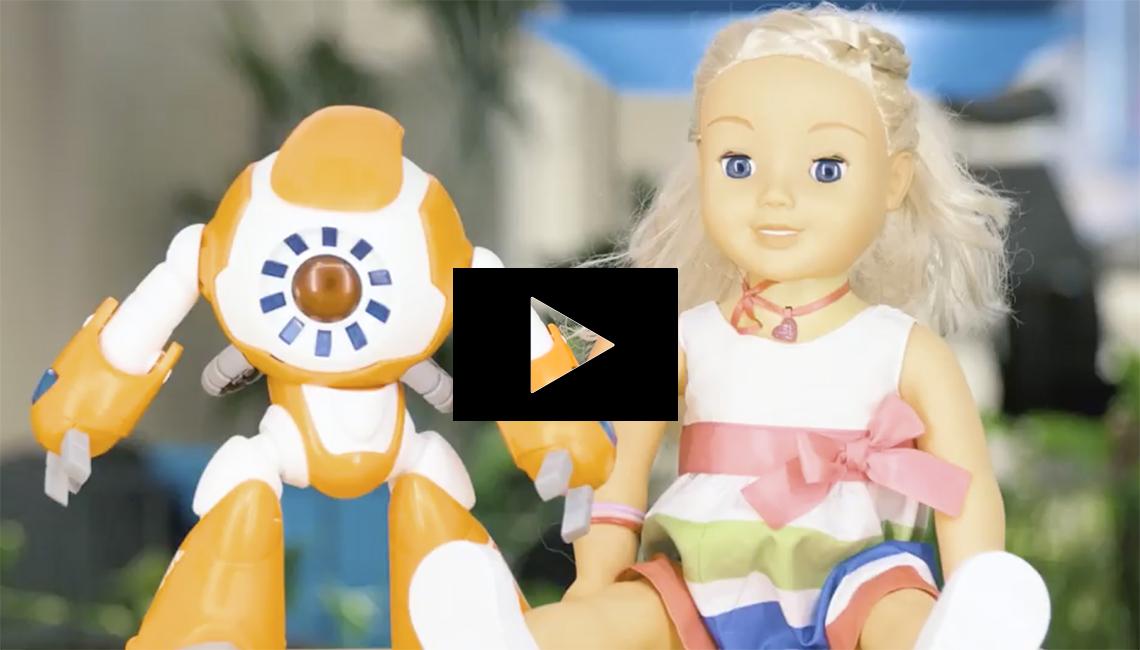 Videobilde av Cayla og I-que.Foto