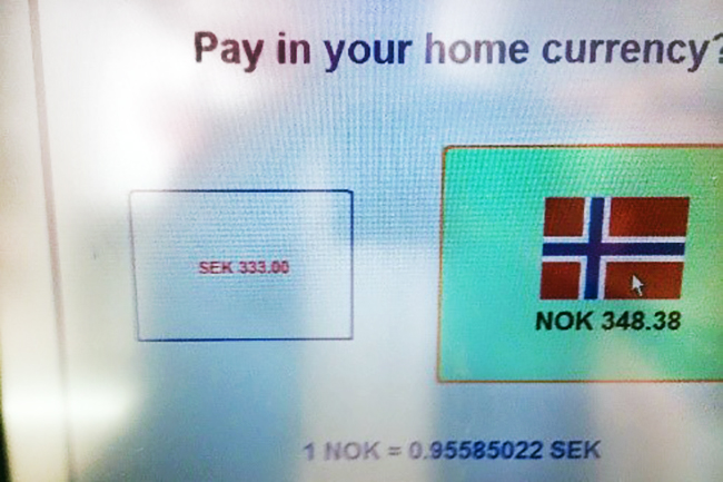 Skjemdump av minibank i utlandet.Foto