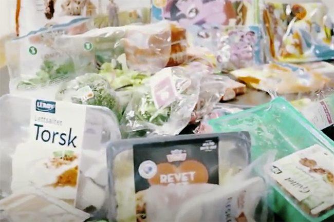 Mat innpakket i plast.Foto